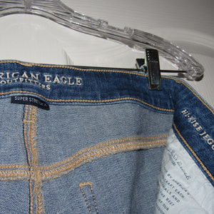AMERICAN EAGLE Hi-Rise Distresed Stretch Jegging 8